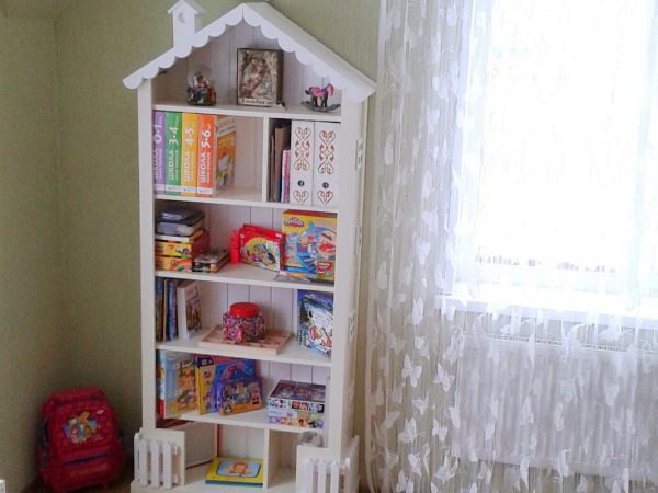 Книжный шкаф - домик